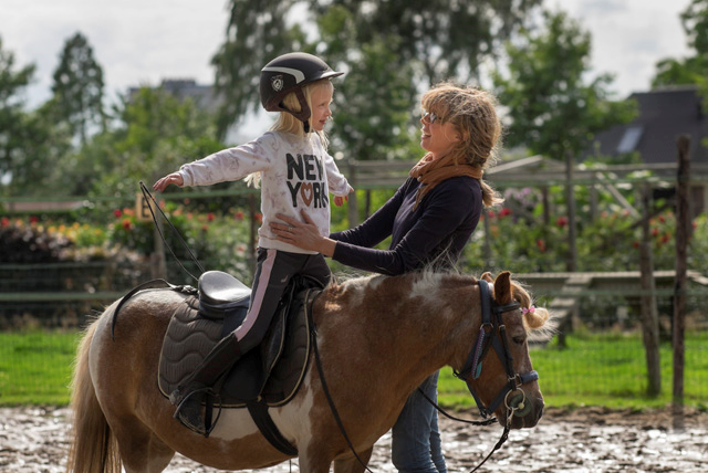 Selma centered riding les voor kinderen